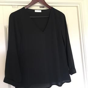 3 smukke bluser fra by Malene Birger og Day Prisen er pr stk