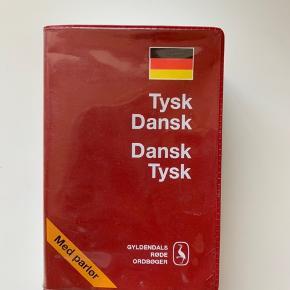 Virkelig smart lille ordbog- lige til tasken. Fejler intet. BYD