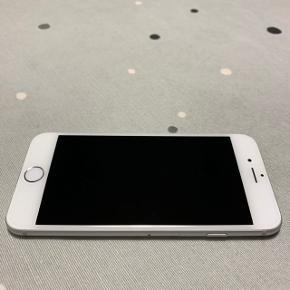rigtig pæne iPhone 6 128GB med kvittering, original box, oplader og headset