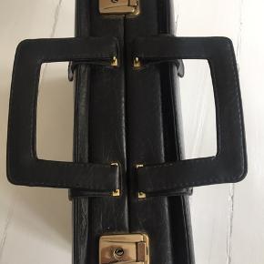 Fin taske enten til rejsetaske eller computer. Business mappe.