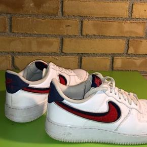 Nike Air Force 1 Chenille 3D Swoosh  Cond 8/10