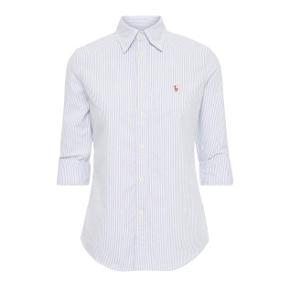 Stribet langærmet skjorte fra Polo Ralph Lauren. Oprindelig pris 799 kr. Sælges da den er for lille i brystmålet til mig.