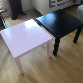 Sælger ud af min datters møbler 😊  Begge borde 100kr , (har 1 mere af hver farve ) alle 4 for 150 🙏
