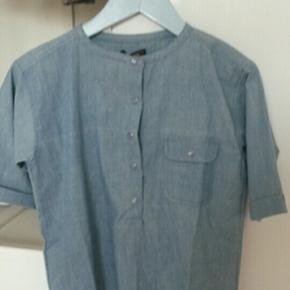 Skjorte bluse fra Norlie. Aldrig brugt og aldrig vasket.