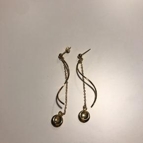 Super fine øreringe fra A-Hjort, aldrig brugt.