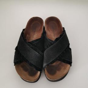 Populære sandaler. Brugt en sæson, masser brug tilbage