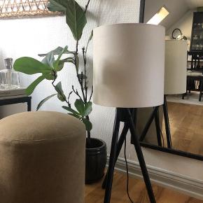 Tine K Home Gulvlampe