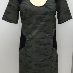 Le Pep kjole