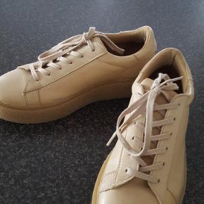 Læder sneakers fra Bianco, brugt kun en gang.