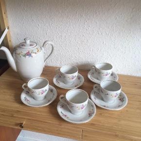 Kaffestel kopper og Kaffekande  -fast pris -køb 4 annoncer og den billigste er gratis - kan afhentes på Mimersgade 111 - sender gerne hvis du betaler Porto - mødes ikke andre steder - bytter ikke
