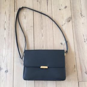 God og rummelig taske