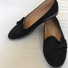 Rigtig lækker sko  Str 39  Aldrig brugt  Mp 150 pp