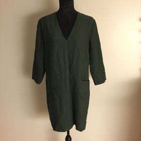 Bottle green , knee length dress ✨🎁🎄