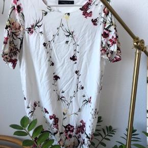 Din blomstret kjole - brugt 2 gange💐   #30dayssellout