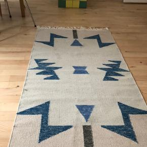 Kelim tæppe, 80 uld/ 20 bomuld  Evt renses  Kun afhentning
