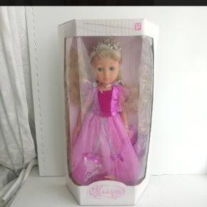 Helt ny dukke. 😊