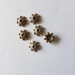 10 x perlekapper 8mm / tibetansk sølv