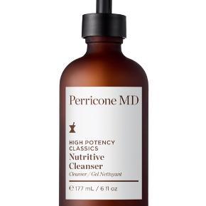 Perricone MD er udviklet af hudlægen Dr. Perricone, som har haft utallige kendisser i sin klinik i New York, og hvis hudpleje er baseret på viden om, hvad der har dokumenteret anti-age effekt.  Nutritive Cleanser er et mildt, men effektivt renseprodukt, som indeholder Dr. Perricones patenterede alpha lipoic acid, som er en exfoliant, der booster hudfornyelsen og gør huden mere klar.  Ny og helt ubrugt, stadig i æske. 177 ml. full size, nypris 310 kr.  Sælges for 175 kr. + porto  Bytter ikke.