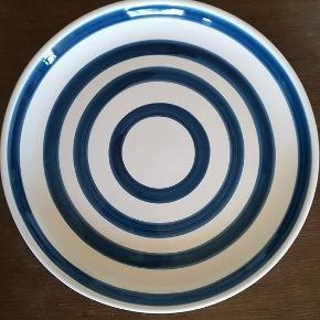 Sjælden Kähler tallerken i petroleumsfarvet.. kan også bruges som fad 29cm
