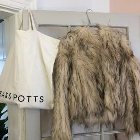 Saks Potts One size pels (jeg ville vurdere at den passer en S/M bedst)  - udgået edition :)