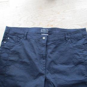 NYE - Mørkeblå lærredsbukser fra Canda str 50. Materiale 98% bomuld - 2% elastan.  Hel længde ca 91 cm.  Se også mine flere end 100 andre annoncer med bla dame-herre-børne og fodtøj