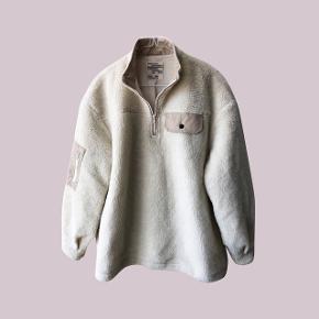 Plysset fleece jakke. Brugt 2 gange.