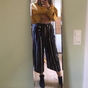 Højtaljede Zara bukser med vidde i lækre farver - med bindebånd!