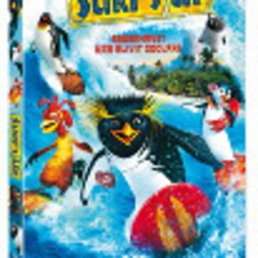 3625 - Surf's Up (DVD)  Dansk Tale - I FOLIE   Surf's Up      Den unge pingvin Cody fra Shiverpool i Antarktis rejser til surfmesterskabet - Big Z Memorial Surf Off - på det tropiske ø-paradis Pen Gu Island. Undervejs bliver han venner med kyllingen Chicken Joe fra Wisconsin, der også skal til mesterskabet, og med talentspejderen Mikey. Venskab kan man derimod ikke ligefrem tale om, da Cody støder ind i de seneste års ubesejrede mester Tank. Det varer ikke længe, før de mødes til en dyst på bølgetoppene, hvilket ender med et forsmædeligt nederlag til Cody. På den anden side kommer han af den grund i nærkontakt med den smækre livredder Lani, der redder hans liv og efterlader ham et sted ude i junglen hos en gammel flipper, Geek, så han kan komme til kræfter igen.      Det viser sig imidlertid, at Geek ved mere om surfing end som så. Han er nemlig ingen anden end Big Z, der valgte at 'forsvinde', da han så sin stjerne falde og surfertronen overtaget af den unge Tank. Modvilligt lader han sig overtale til at være Codys mentor, selv om Cody længe har svært ved at modtage nogen form for visdom fra den gamle. Derimod lykkes det for Lani at åbne hans øjne for et og andet. Måske også for sandheden i noget af det, Big Z forsøger at lære ham.      I alle tilfælde lykkes det for Cody at komme i form igen til at stille op til mesterskabet, hvor han kan gøre regnskabet op med den overmodige Tank, og hvor venskabet med Chicken Joe kommer til at stå sin prøve. Tekst fra pressemateriale