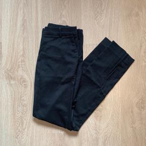 Klassiske habitbukser fra H&M  |  Brugte men uden fejl eller slitage