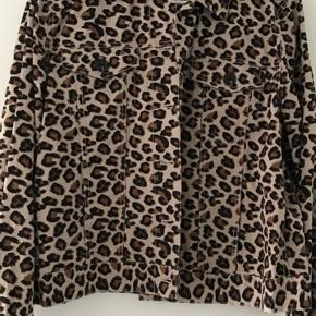 Leopard  Aldrig brug kun prøvet Størrelse medium