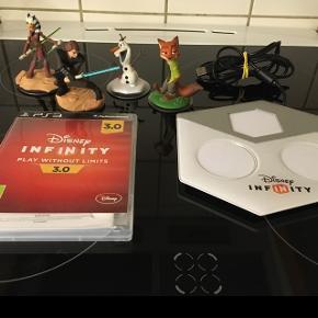 Infinity  PS3 spil med konsol og figurer   Virker perfekt  Afhentes