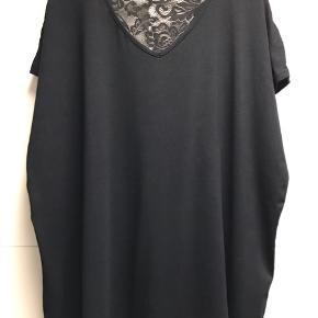 Smuk T-shirt  Str M = 48/50 Nypris 499