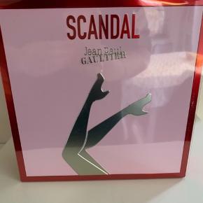 Scandal gaveæske med 50 ml Edp og 75 ml bodylotion  Ubrugt Fast pris