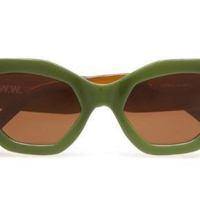 Solbriller fra Wood Wood, aldrig brugt og etui medfølger. Nypris var 1000 kr, bare byd 😀😀