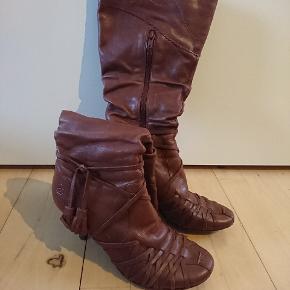 Sælger mine bronx støvler i str. 37. Nypris 1199, -