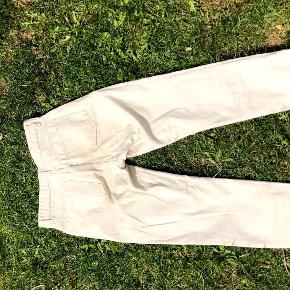 Wood Wood bukser, brugt en gang. Rigtig flotte og rigtig god kvalitet, de var også rigtig dyre. Str 27