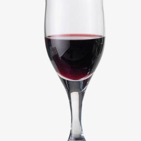 Holmegaard Ideelle rødvinsglas - 3 stk. Sælges samlet for 150kr. eller 60 kr. pr. stk. Afhentes i Aarhus C. Aldrig blevet brugt.