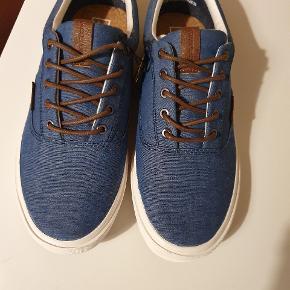 Super fine sko fra Jack&Jones. Aldrig brugt og stadig med mærke, da de er købt et nummer for stort.