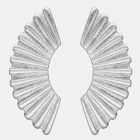 Fine øreringe i ægte sølv stemplet 925 2,5 cm lang og 1 cm bred