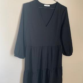 Brand: Pieces Model: Pcmette ls dress D2D   100% polyester