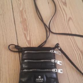 Lille smart taske til telefon og småting.