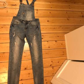 Sisters Point jeans