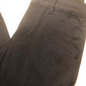Fede bukser, med lille opslag. Str. M. Brugt 1. Gang. Som nye. Ny pris. 500.kr.