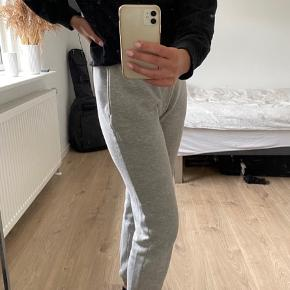 Sweat pants fra Nelly Trend  Str S  50% bomuld og 50% polyester
