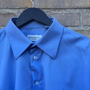 Str 44, fitter som en XL Langærmet skjorte fra YSL Super god stand