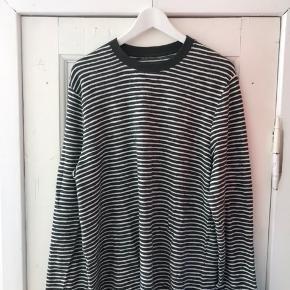 Stribet bluse fra Samsøe & Samsøe. Er aldrig blevet brugt :)