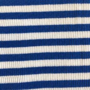 Tætsiddende ribstrikket tank top i blå- og hvid-stribet. 100 % bomuld. Aldrig brugt. Kan også bruges af en str small.