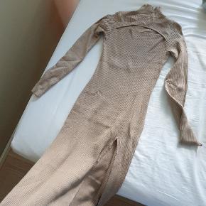 TRENDSALES X TRINE KJÆR kjole