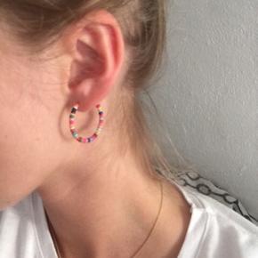 Øreringe med perler på