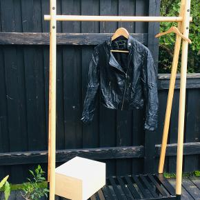 Brand: RUT & CIRCLE  Black Leather Jacket for any occasion - daily, club, or casual. Side diagonal zipper and some nice metal elements. Great cut and fit silhouette.   Good condition.